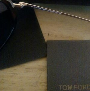 Tom Ford Accessories - Tom Ford Robbie FT 286 52A Sunglasses with Clip on